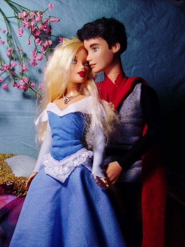 Sleeping Beauty and Prince Phillip 玩偶