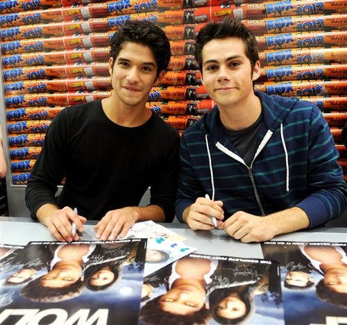 Teen Wolf' Booth Signing at Comic Con