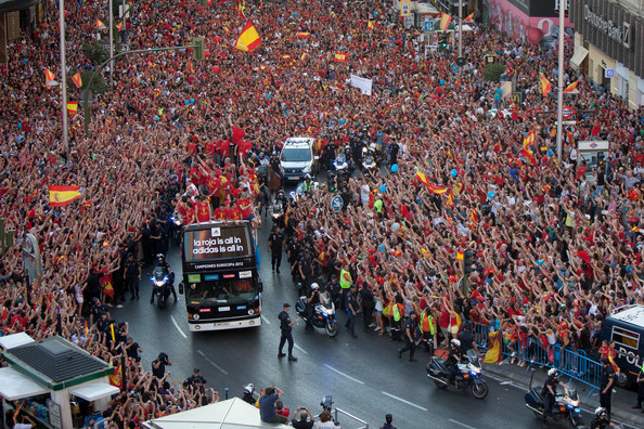 UEFA-EURO-2012-Champions-Spain-Victory-Parade-And-Celebrations-soccer-31476087-594-396.jpg