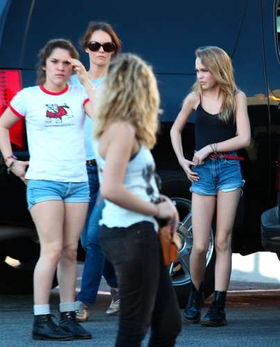Vanessa Paradis & Lily-rose in Los Angeles 01.02.2012