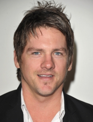 zachary knighton height