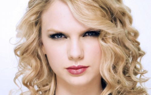 Taylor Swift wallpaper with a portrait called ashu
