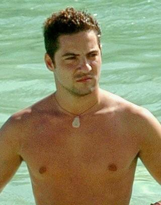 DAVID BISBAL PASSION GITANA wallpaper possibly containing swimming trunks, a hunk, and a six pack entitled david bisbal
