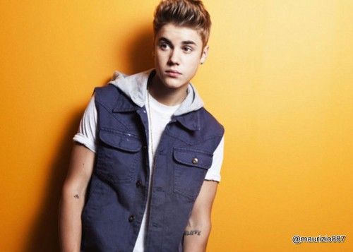 justin bieber.photoshoot aol music, 2012