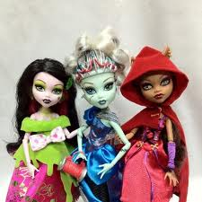 Monster High fond d'écran entitled scary tales