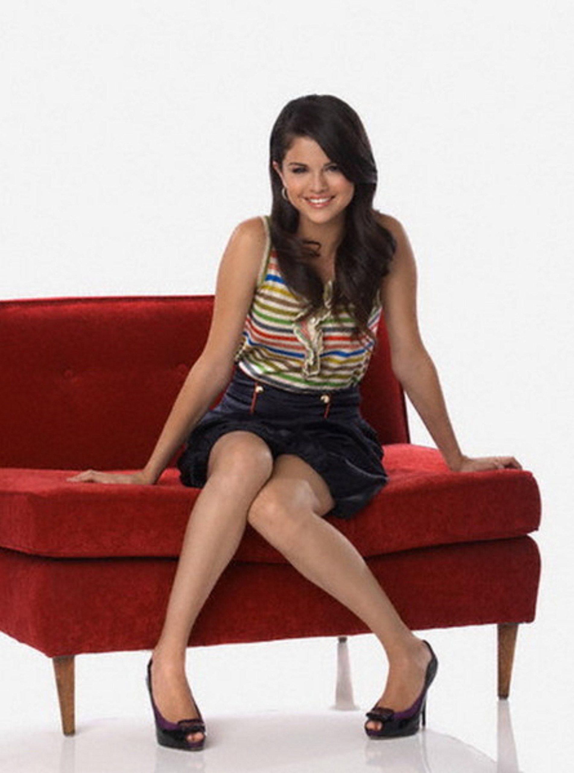 Selena gomez pantyhose