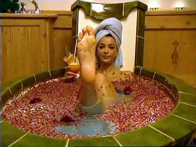 verona in bathtub