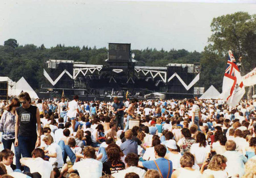 09-08-1986 live at Knebworth Park