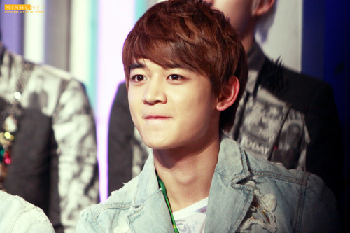 Choi Minho wallpaper containing a green beret, fatigues, and battle dress called 10 points out of 10