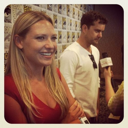 Anna Torv and Joshua Jackson fondo de pantalla probably with a sign and a portrait entitled Anna & Josh ♥