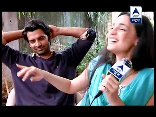 Arushi on set of IPKND with an interview