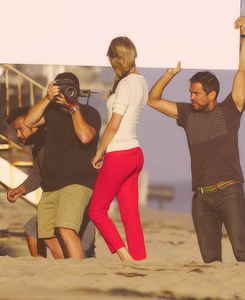 Behind the scene - Malibu photoshoot - taylor-swift Fan Art