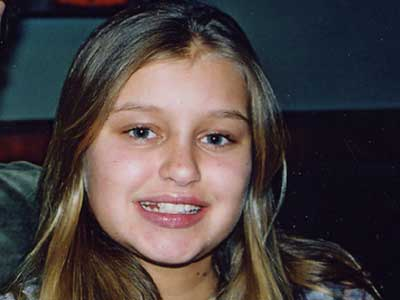 beroemdheden who died young achtergrond with a portrait called Carlie Jane Brucia (March 16, 1992 – February 1, 2004