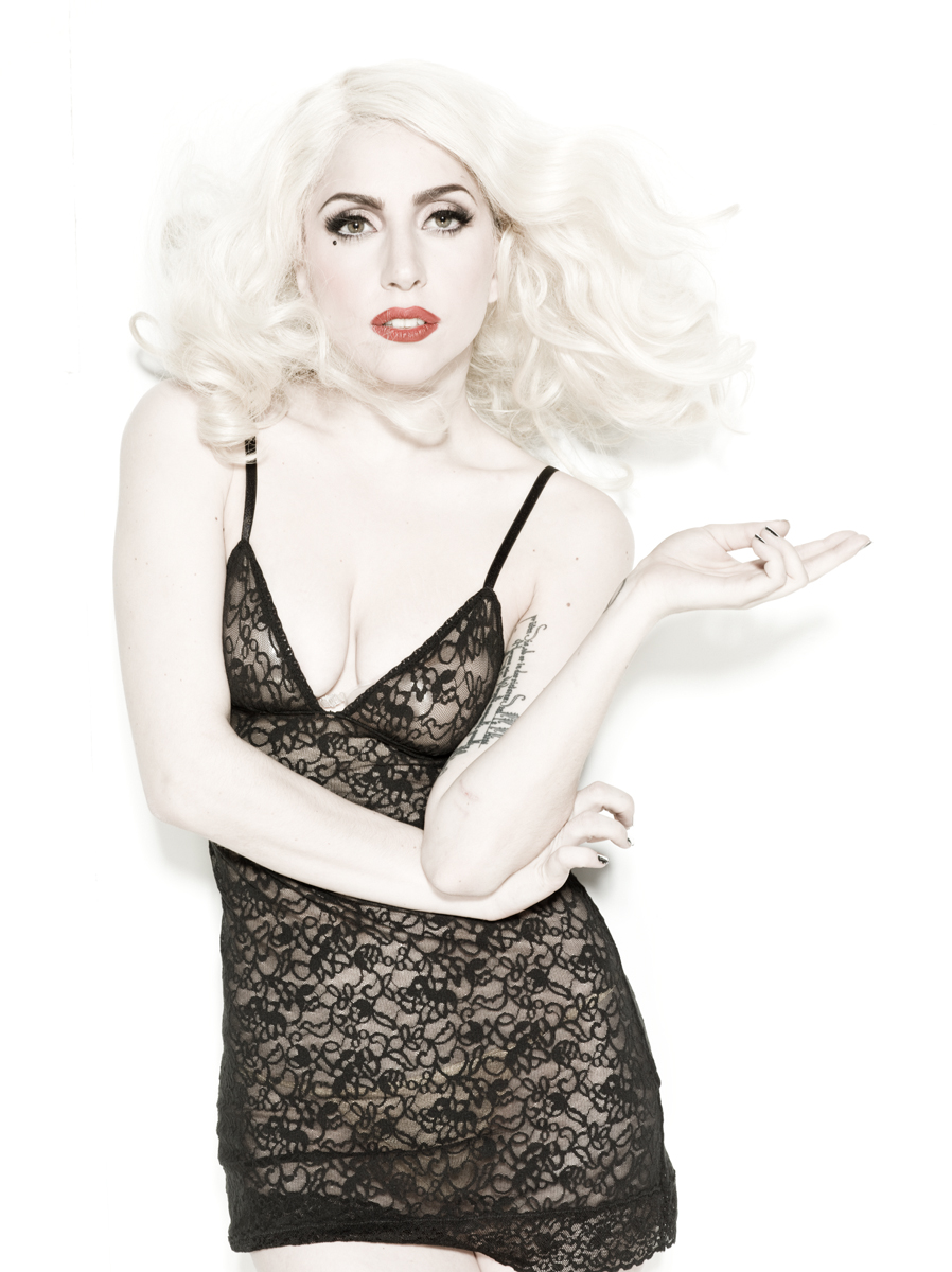 http://images5.fanpop.com/image/photos/31500000/Cosmopolitan-photoshoot-2012-NEW-OUTTAKES-lady-gaga-31595564-898-1200.jpg