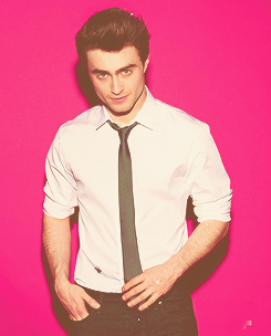 Daniel Radcliffe achtergrond possibly with a business suit entitled Dan