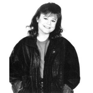 Dana 丘, ヒル -Dana Lynne Goetz(May 6, 1964 – July 15, 1996