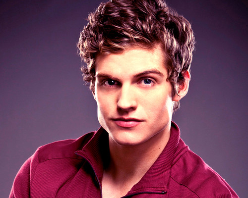Daniel Sharman پیپر وال possibly with a portrait entitled Daniel Sharman