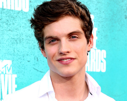 Daniel Sharman wallpaper with a portrait called Daniel Sharman