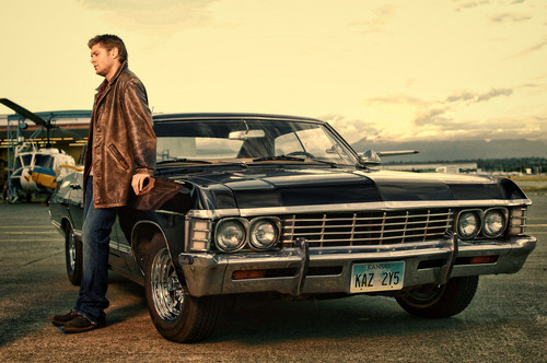 スーパーナチュラル 壁紙 probably containing a sedan and a クーペ called Dean Winchester with Chevrolet Impala 1967
