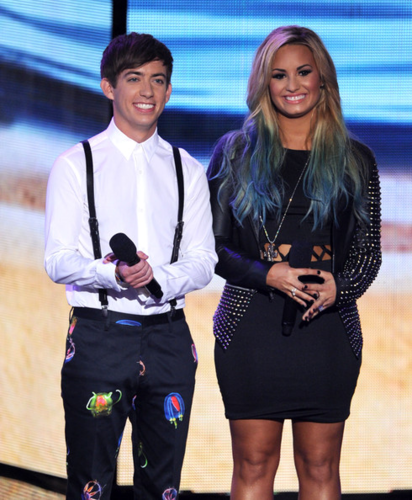 Demi - 2012 Teen Choice Awards - The mostrar - July 22, 2012
