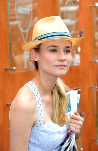 Diane - And Joshua Jackson at the French Open - May 31, 2012