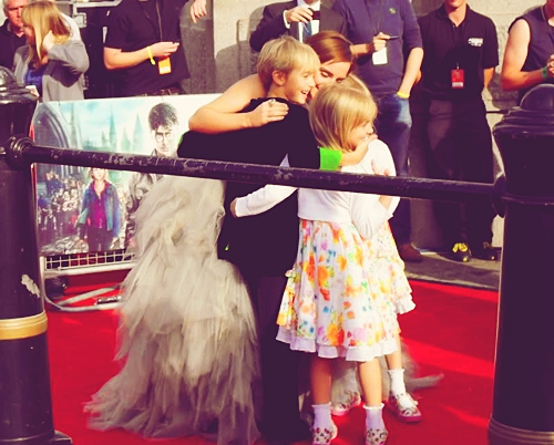 Emma's Siblings - Emma Watson Photo (31530553) - Fanpop
