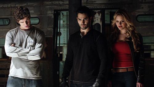 Erica/Derek/Isaac (2x05)