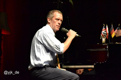 Hugh Laurie in Bochum RuhrCongress Halle 17.07.2012 - hugh-laurie Photo