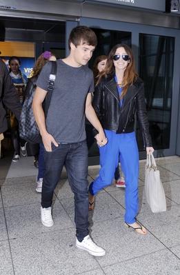 JUL 16TH - LIAM AND DANIELLE AT HEATHROW AIRPORT♥