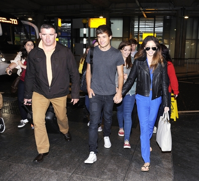 JUL 16TH - LIAM AND DANIELLE AT HEATHROW AIRPORT♥