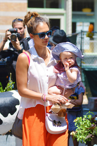 Jessica Alba and Daughters Out For Lunch [July 24, 2012] - jessica-alba Photo