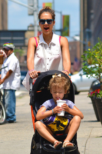 Jessica Alba wallpaper possibly with sunglasses called Jessica Alba and Daughters Out For Lunch [July 24, 2012]