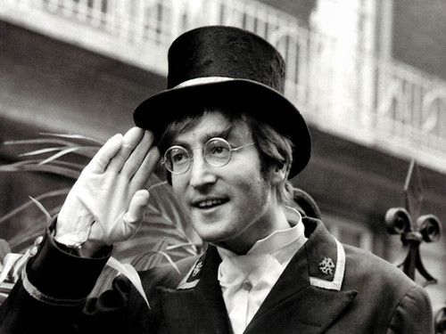 John Lennon 바탕화면 probably containing a business suit, dress blues, and a full dress uniform called John Lennon