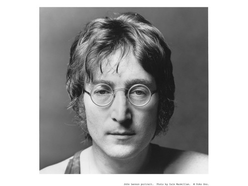 John Lennon 바탕화면 possibly with a portrait titled John Lennon