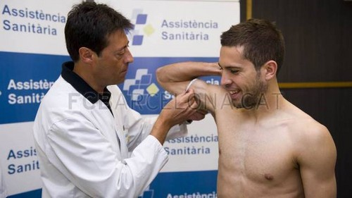 Jordi Alba passes the medical tests