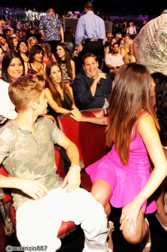 Justin Bieber and Selena Gomez Choice Awards 2012 (TCAs)