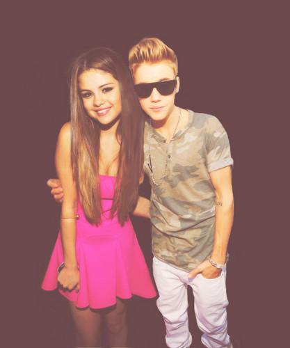 Justin & Selena at TCA