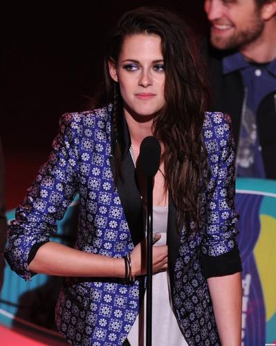 Kristen at the 2012 Teen Choice Awards - 22/07/12 - HQ.
