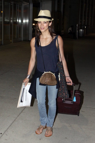 Kristin arriving at the Toront Airport (July 23th, 2012)