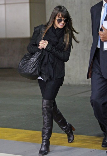 Lea at YVR Airport - May 30, 2012 - lea-michele Photo