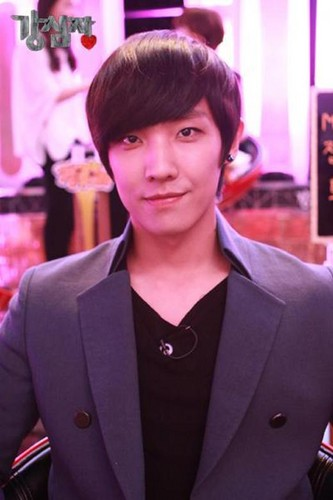 MBLAQ fondo de pantalla probably with a business suit, a suit, and a well dressed person titled Lee Joon
