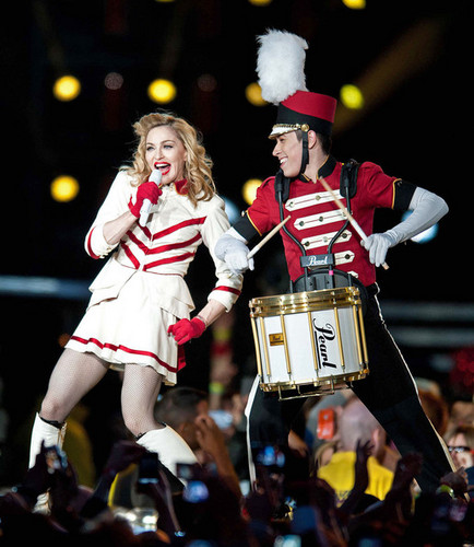 Madonna Performs in Scotland [July 21, 2012]