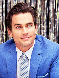 matt bomer fondo de pantalla containing a business suit and a suit titled Matt<3