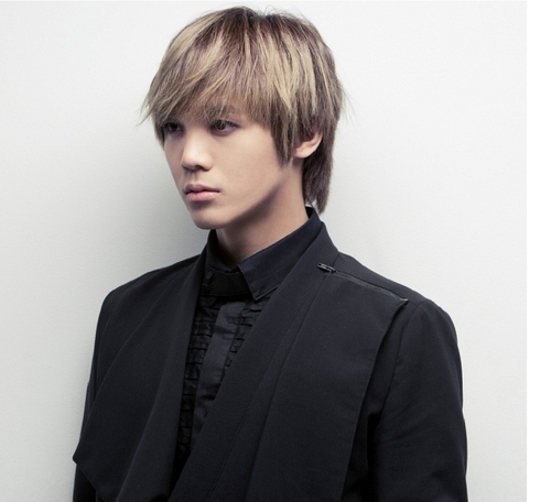 MBLAQ fondo de pantalla probably with a well dressed person and a business suit entitled Mir
