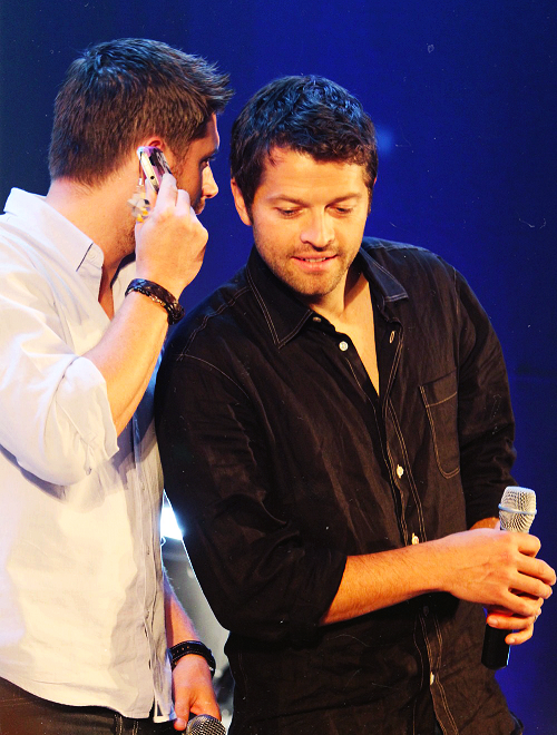 Misha and Jensen engaging in some totally hetero crotch ...