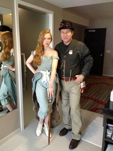 molly quinn kertas dinding probably containing a revolving door, a sign, and a well dressed person entitled Molly Quinn Comic Con 2012