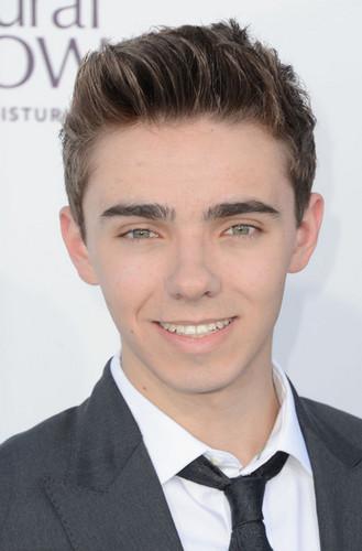 Nathan Sykes :)
