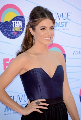 Nikki at the Teen Choice Awards in LA - Arrivals {22/07/12}.