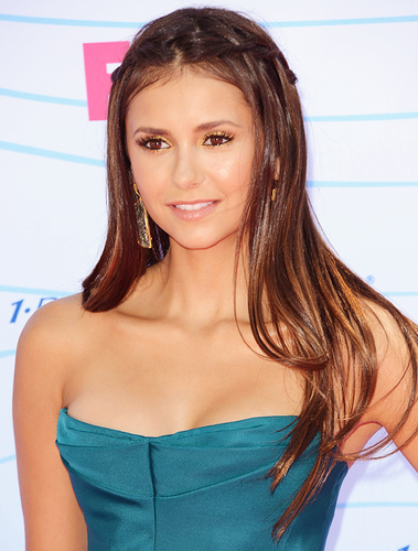The Vampire Diaries TV Show wallpaper with a portrait entitled Nina at TCAS