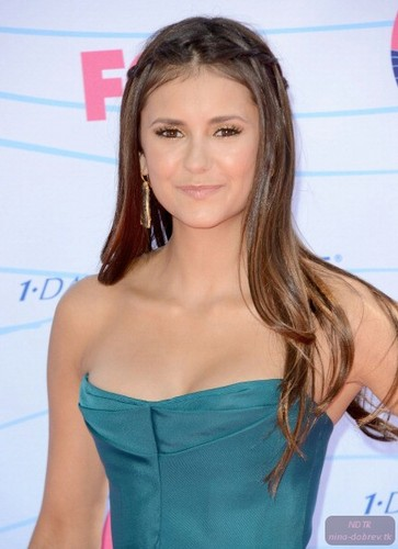 Nina Dobrev wallpaper possibly with attractiveness and a portrait titled Nina at Teen Choice Awards 2012